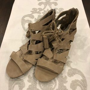 Sam and Libby tan size 9 sandals
